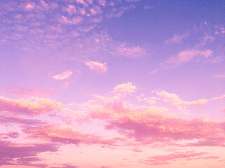 nubes azules rosadas infinitamente
